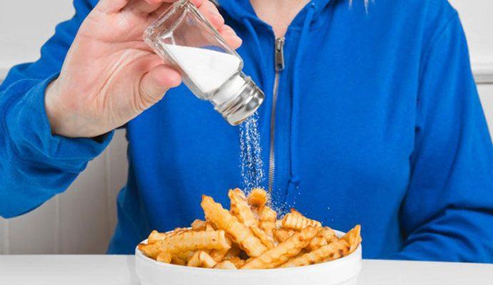 6 loại thực phẩm và đồ uống gây khô da bạn nên lưu ý