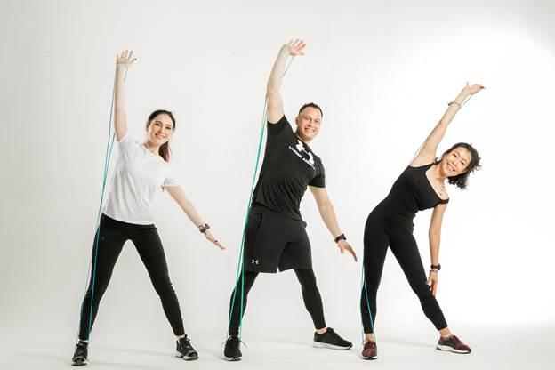 Khi tập thể dục thường xuyên, cơ thể sẽ trải qua hàng loạt thay đổi, giúp bạn trở nên rạng ngời, trẻ trung hơn.